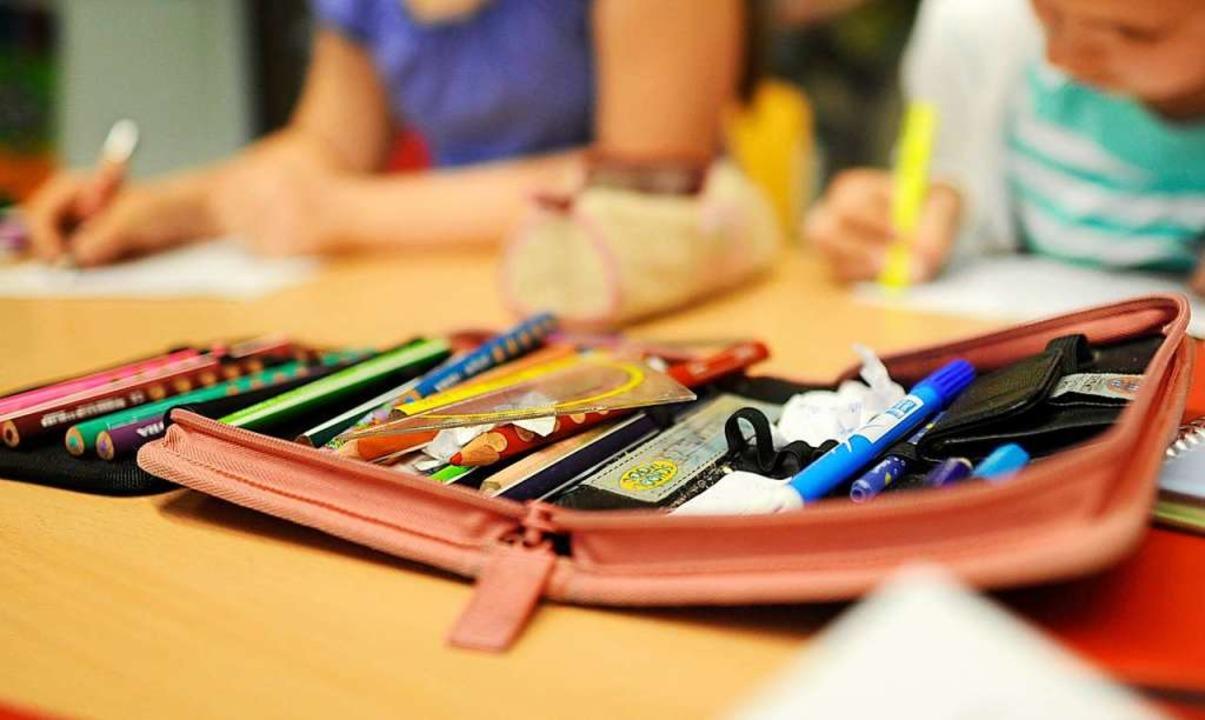 Der Schulbesuch wird zum Politikum.  | Foto: dpa