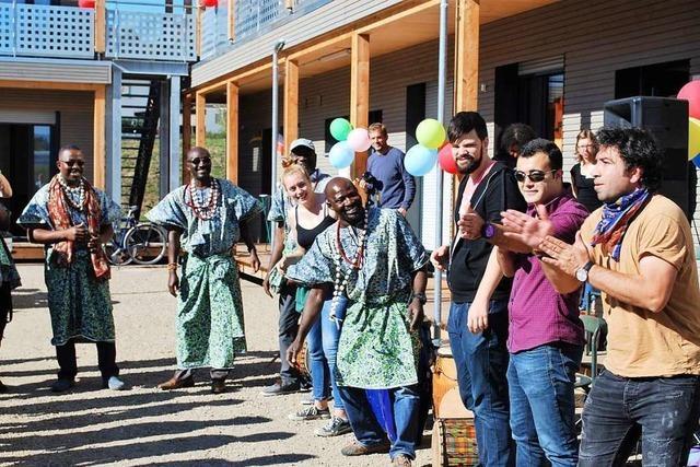 Stadt Lörrach will Geflüchtete selbst betreuen – Sozialverbände sind skeptisch