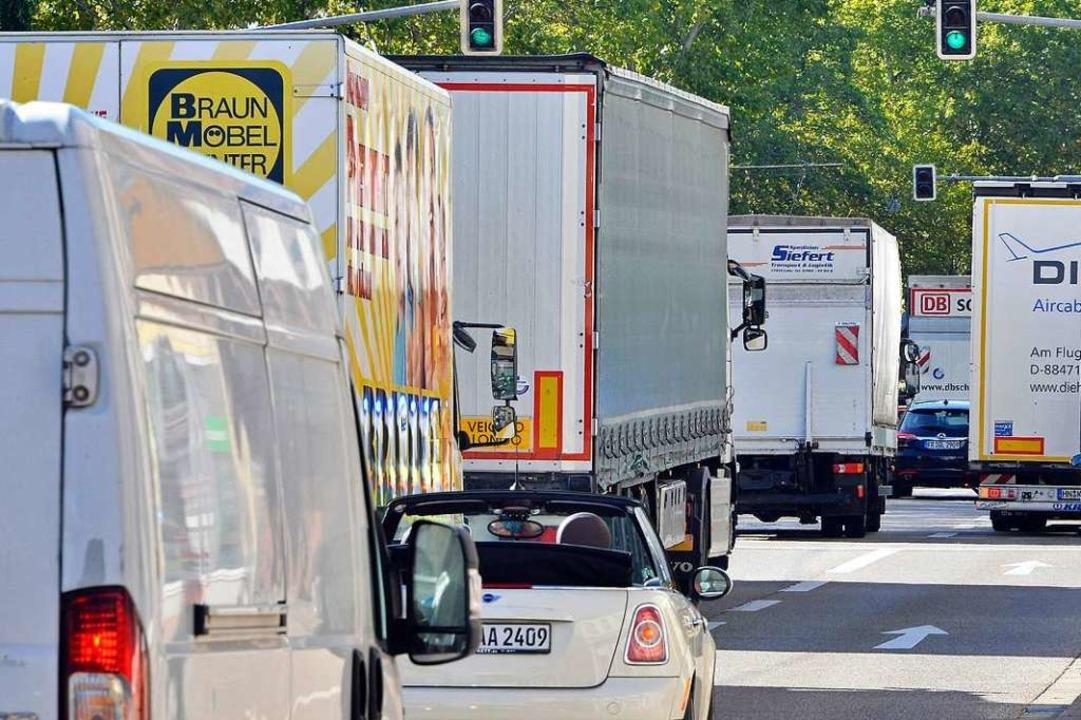 Knapp 54 Prozent aller Sattelschlepper... gehören zum Fernverkehr (Archivbild).  | Foto: Michael Bamberger