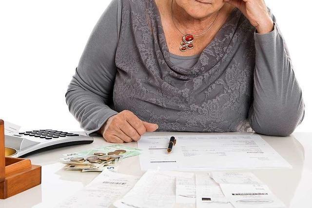 Demenzkranker Ehemann hinterließ einer Rentnerin aus Freiburg viele Schulden