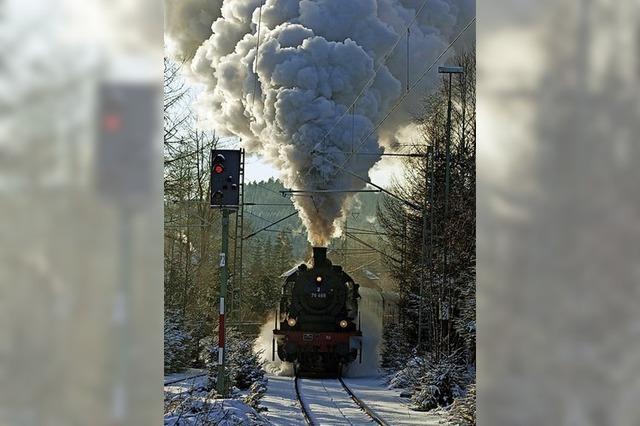 Winterdampf mit der Dreiseenbahn