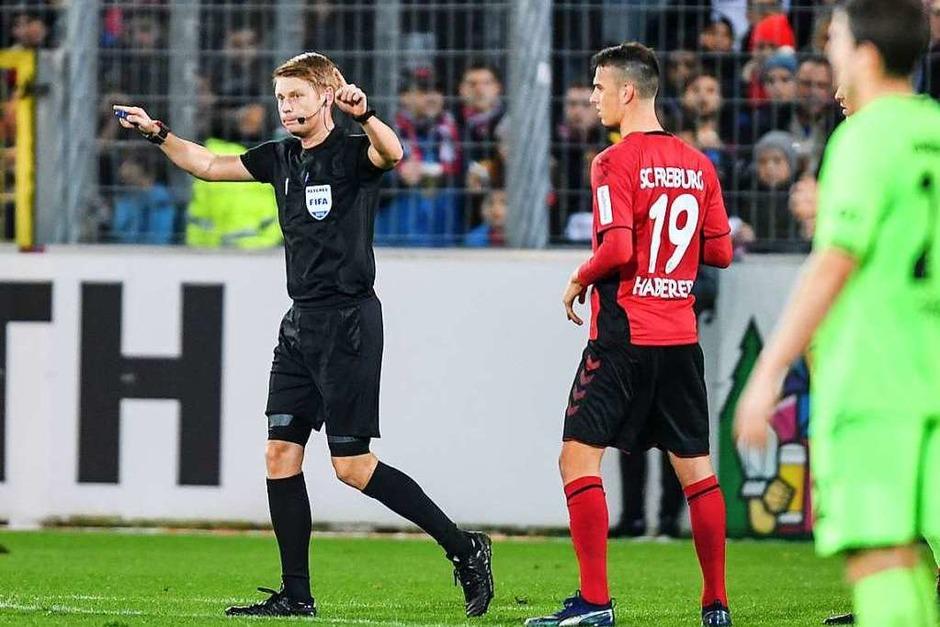 Ein Treffer der nicht gegeben wurde: Der SC Freiburg trennt sich nur 1:1 von Hannover 96. (Foto: dpa)