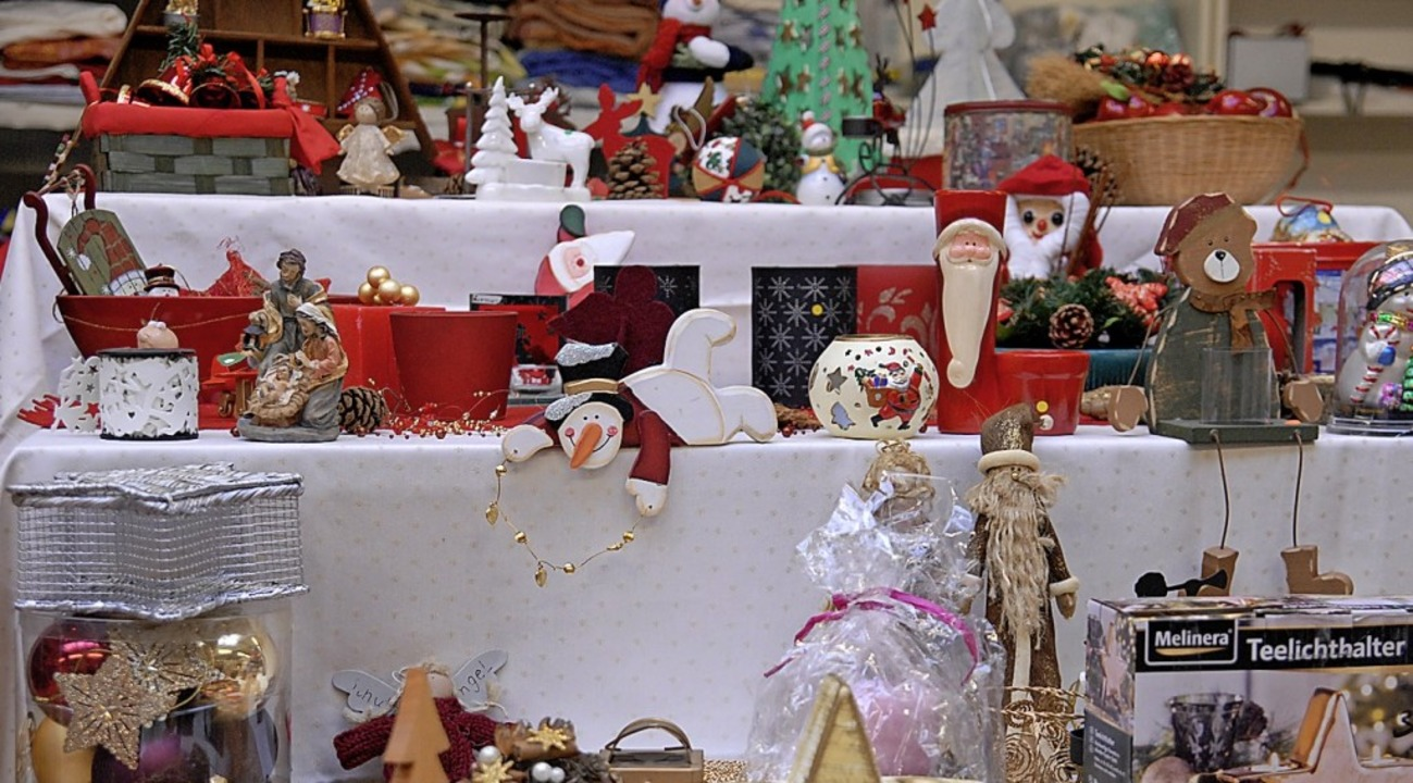 Weihnachtsdeko gibt's in der Schatzinsel auch.  | Foto: Leony Stabla