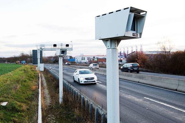 Bundesweit erstes Streckenradar geht bei Hannover in Betrieb