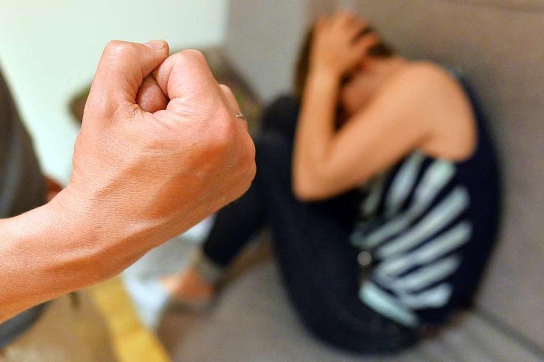 Wie kann die  Gewalt-Spirale durchbrochen werden?  | Foto: dpa