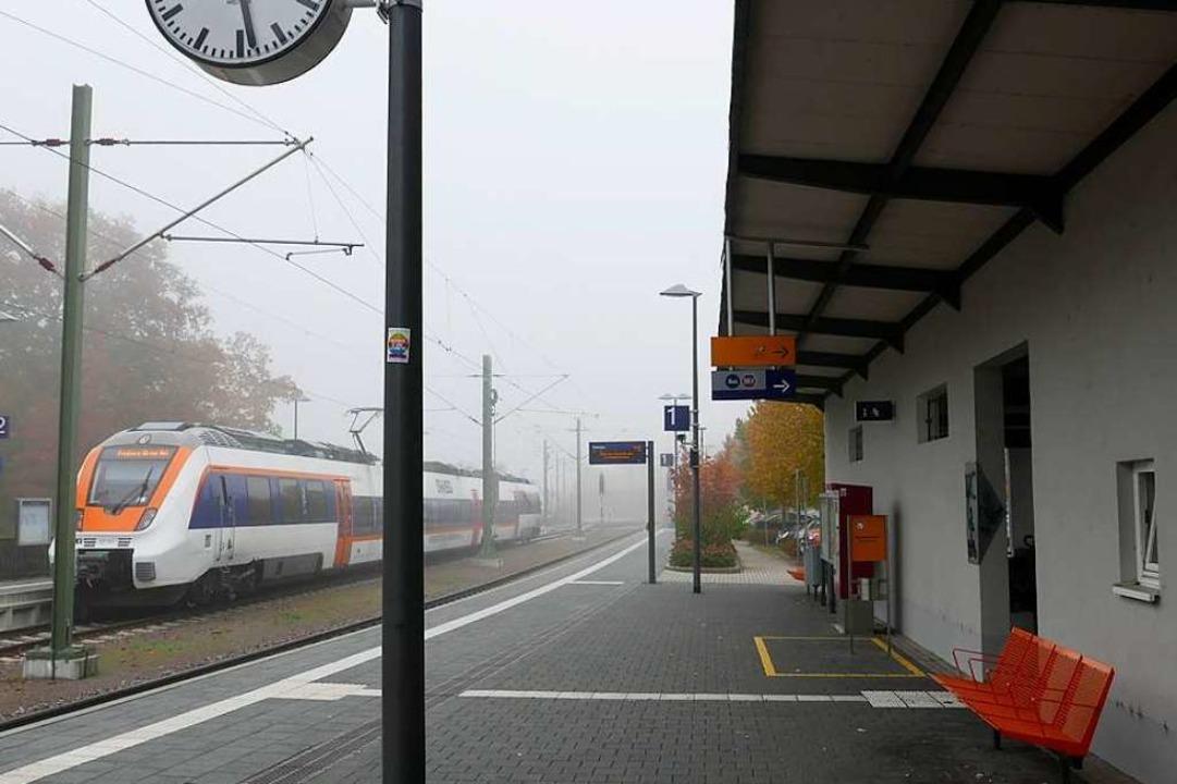 Trübe Aussichten für die persönliche Beratung am Staufener Bahnhof  | Foto: Hans-Peter Müller