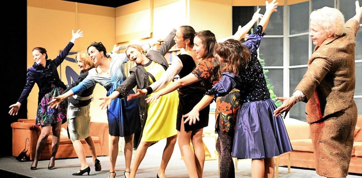 Exklusive Glanzrollen für ein toll besetztes Ensemble in Basel  | Foto:  Mahro