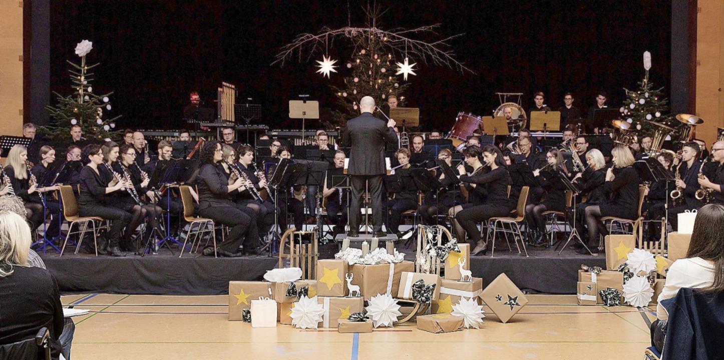 Die Stadtmusik beendete das Heimattage...inem grandiosen musikalischen Finale.   | Foto: Gabriele Zahn