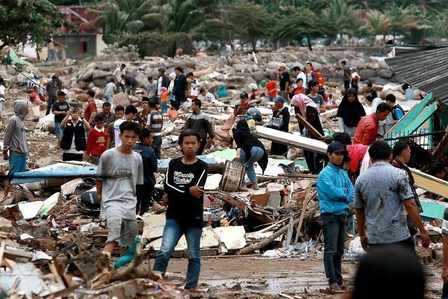 Hunderte Tote nach Tsunami