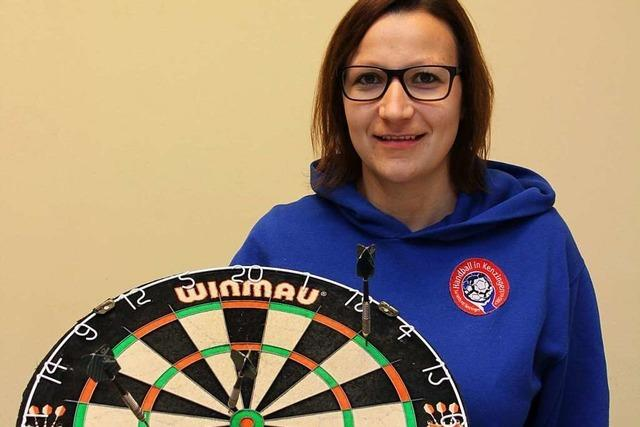 Warum beim Darts-Turnier in Kenzingen Kopfrechnen von Vorteil ist