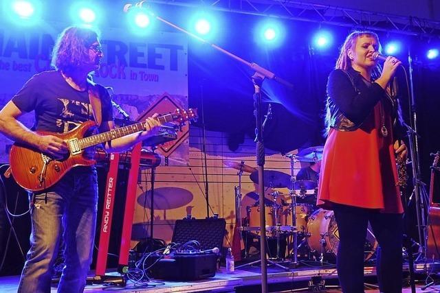 Die SWR 1-Hitparade eigenständig und live interpretiert