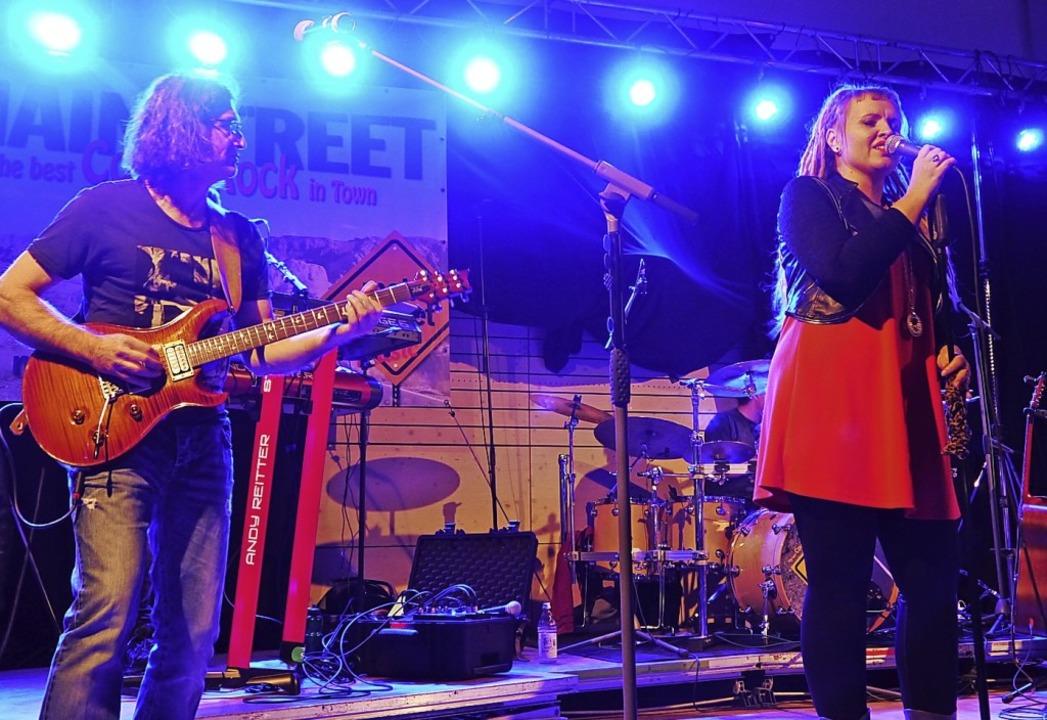 Mainstreet-Gründer Klaus Bayer und Sängerin Michèle Adler   | Foto: Heidi Ast