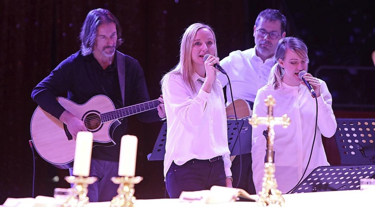 Die Band Pascasca aus Offenburg sorgte...Liedern für den musikalischen Rahmen.   | Foto: Christoph Breithaupt