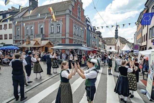 Sprachenfest, Bahnpläne, Rom-Pilger