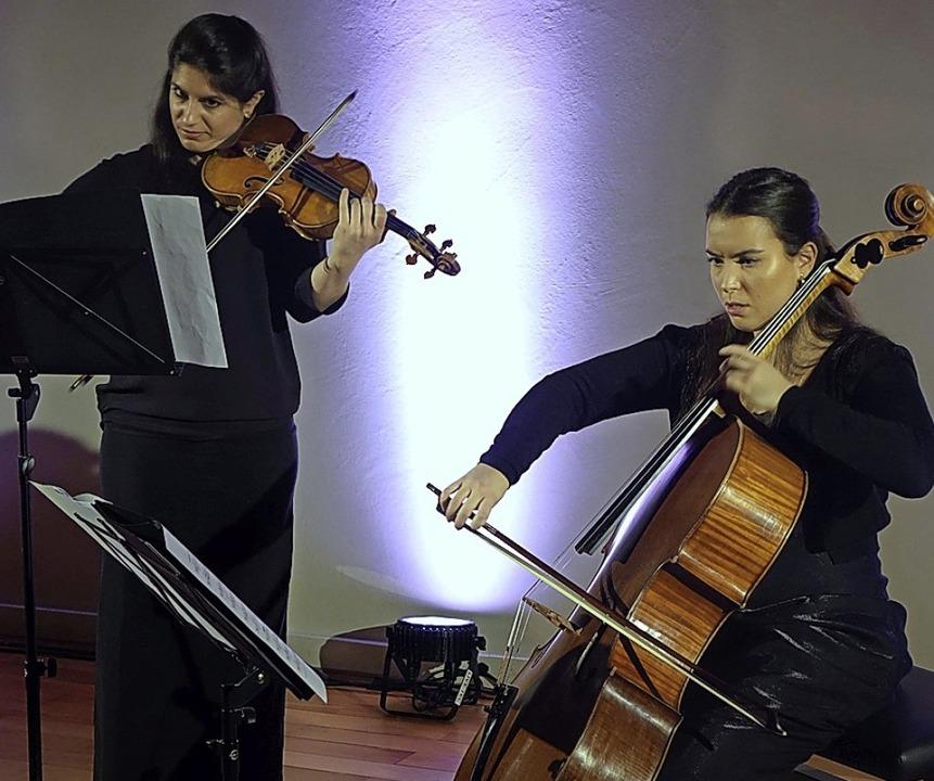 Natalia und Aloisia (links) Dauer   | Foto: Frey