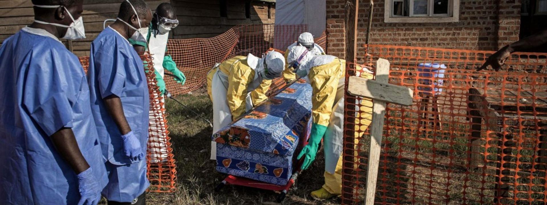Endstation Ebola-Station in Beni &#821..., sondern nur beim Sterben begleiten.     Foto: AFP/Dieterich (2)
