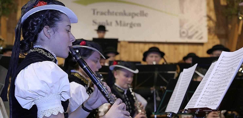Am zweiten Weihnachtsfeiertag lädt die...skonzert in die Schwarzwaldhalle ein.   | Foto: Heinrich Fehrenbach