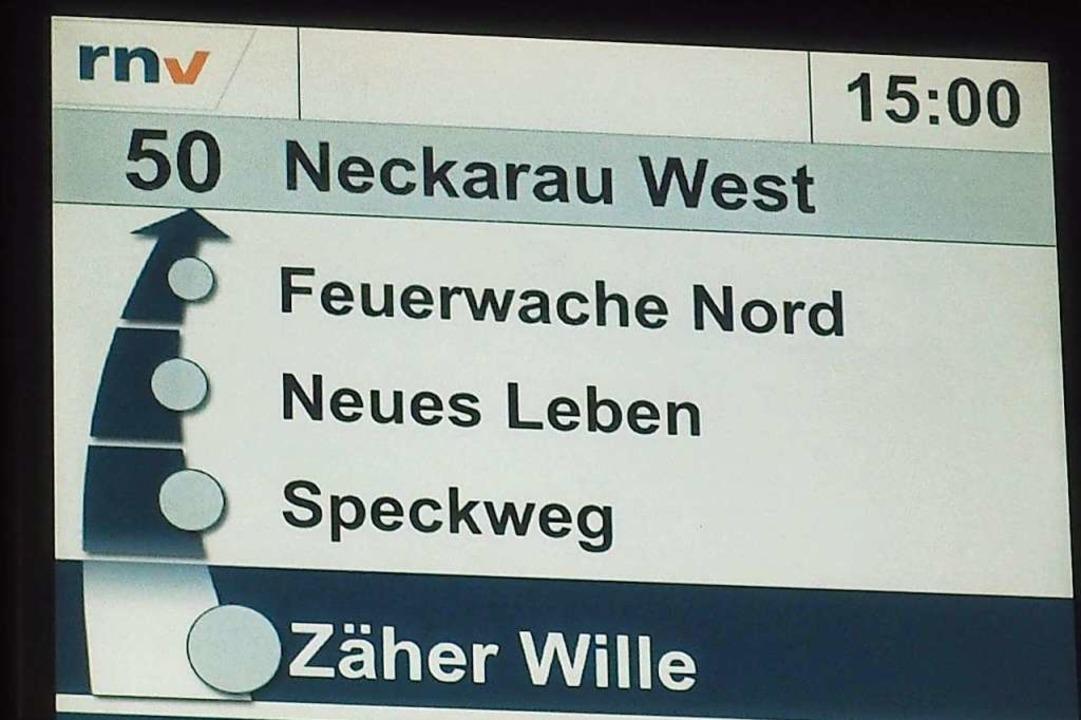 Haltestellen mit besonderer Note: Anzeigetafel in Mannheims  Buslinie 50.  | Foto: Wolfgang Risch