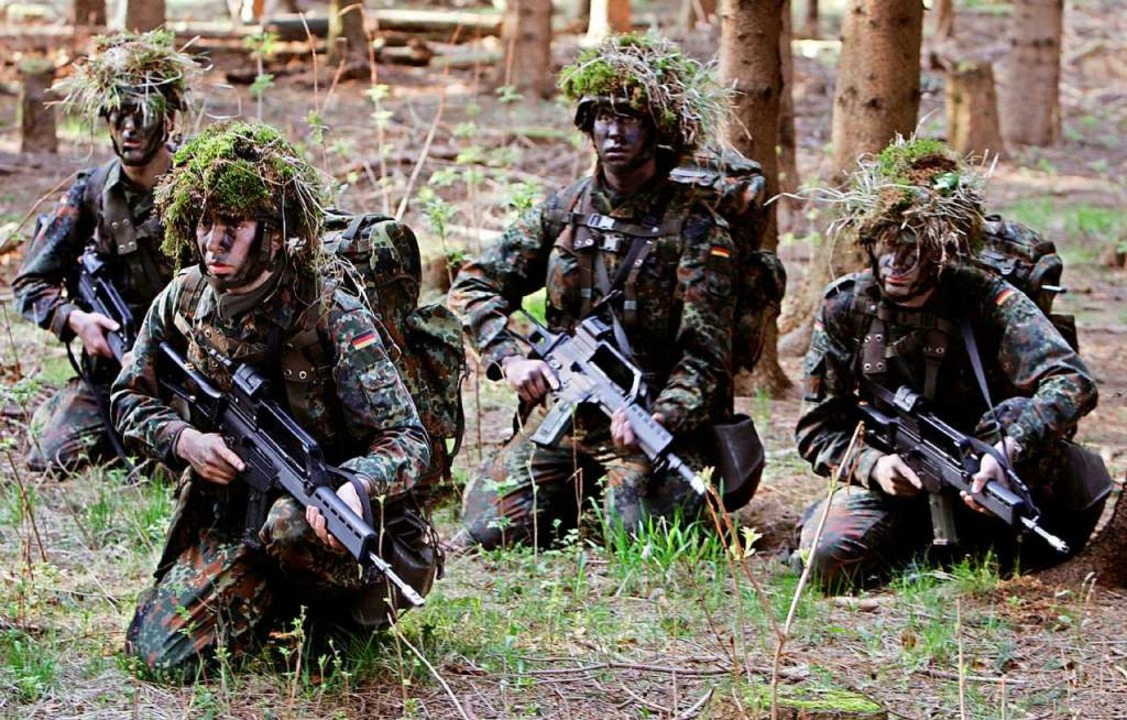 Grundausbildung bei der Bundeswehr.  | Foto: dpa