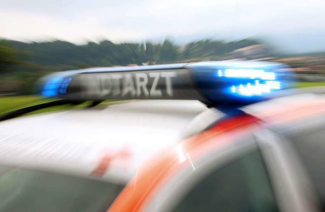 Der Mann musste nach Freiburg ins Krankenhaus gebracht werden.    Foto: dpa