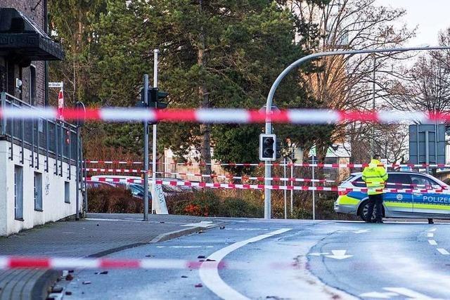 Mann fährt absichtlich in Fußgängergruppen in Bottrop und Essen – fremdenfeindlicher Anschlag vermutet