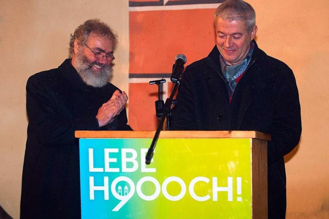 Pfarrer Klemens Armbruster (links) und...iefe an  die St. Märgener der Zukunft.  | Foto: Wolfgang Scheu