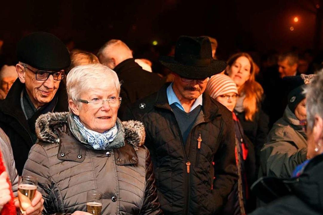 Trotz Kälte und Regen kamen ungefähr 2...kt auf das gelungene Jubiläumsjahr an.  | Foto: Wolfgang Scheu