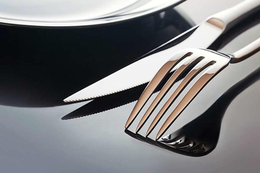 Ist es etepetete, wenn man beim Essen auch das Messer benutzt?  | Foto: Chepko Danil Chepk (stock.adobe.com)