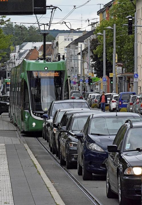 Für eine Entflechtung von Tram- und Au...n Friedlingen durchaus Möglichkeiten.     Foto: Lauber