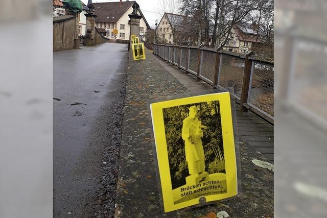 Brückenaktion ist von Hubert Mauz