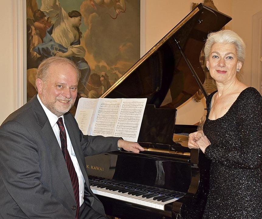 Neujahrskonzert im St. Märgener Kapite...zzosopran) Lambert Bumiller (Klavier)   | Foto: Thomas Biniossek