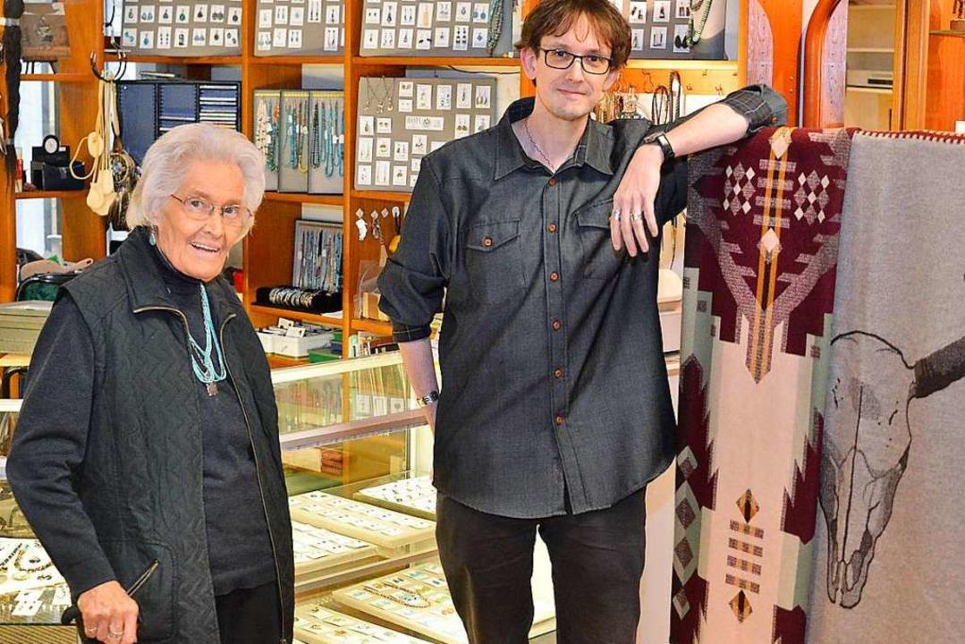 Erika Wehrle hatte mit 59 Jahren ihren...Indianerschmuck ist weiterhin gefragt.  | Foto: Michael Bamberger