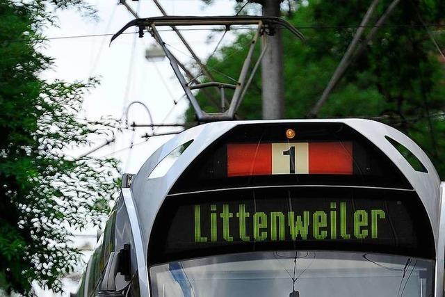 Freiburgs Straßenbahnlinie 1 nach Unfall wieder frei