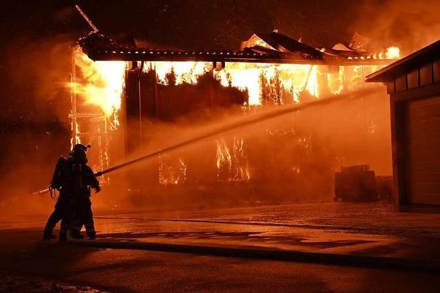 Feuer richtet Millionenschaden in Löffinger Zimmereibetrieb an