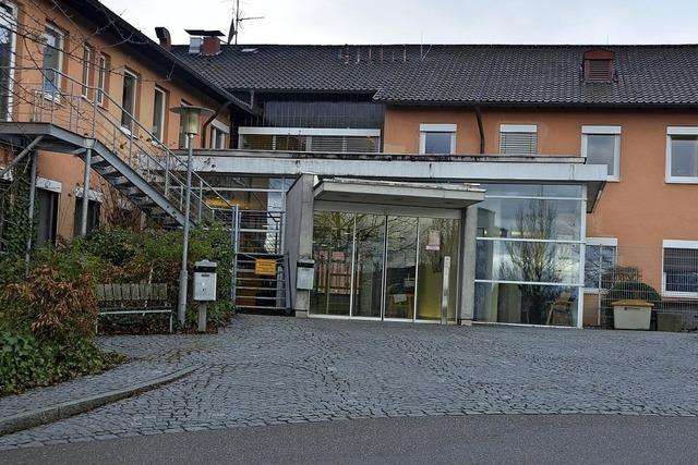 Rezeption der Breisacher Helios-Klinik bleibt an Sonn- und Feiertagen unbesetzt