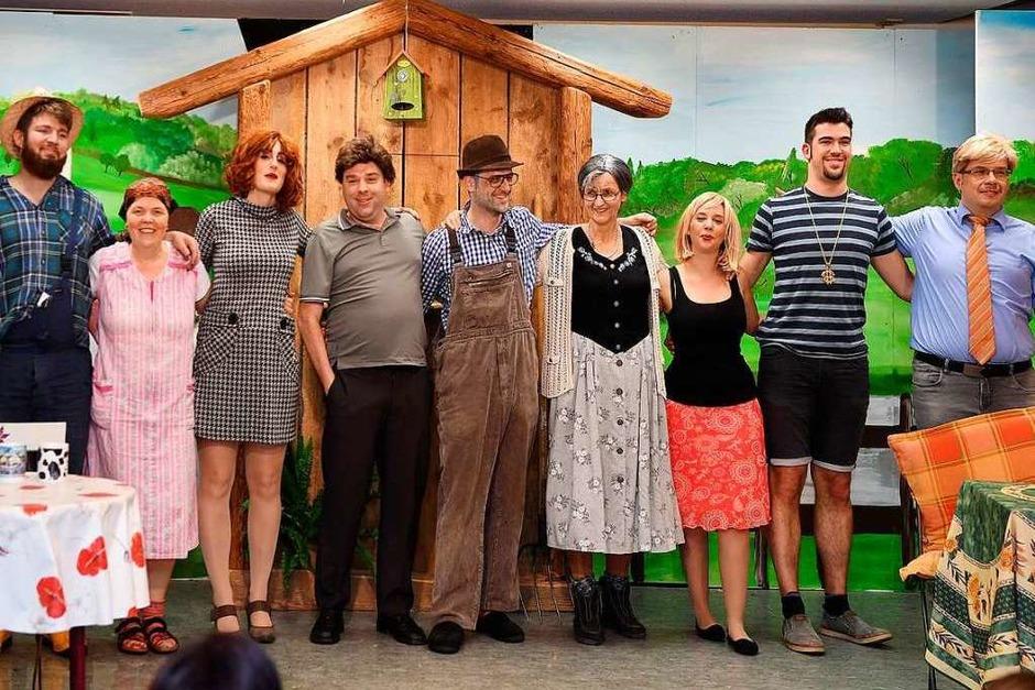"""""""Opa, es reicht"""" - mit dem Schwank in drei Akten von Bernd Gombold sorgte das Theater-Ensemble des SV Dillendorf für beste Unterhaltung. (Foto: Wolfgang Scheu)"""