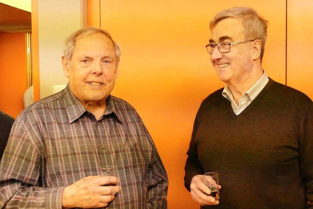 Hermann Schöpflin (links) und Hansfrie... Teil gern noch zum Austausch blieben.  | Foto: Victoria Langelott