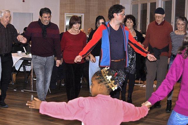 Fröhlicher Tanz in das neue Jahr