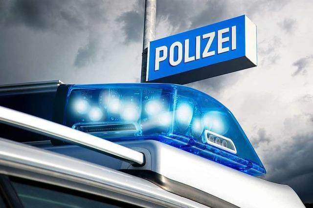 Unfall mit geschätzten 30 000 Euro Schaden