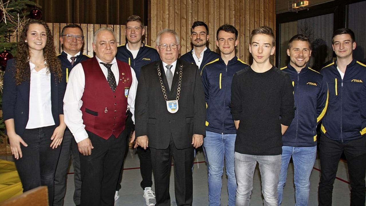 Beim Neujahrsempfang in Forchheim ehrt...rkette) verdiente Bürger und Sportler.  | Foto: Christiane Franz