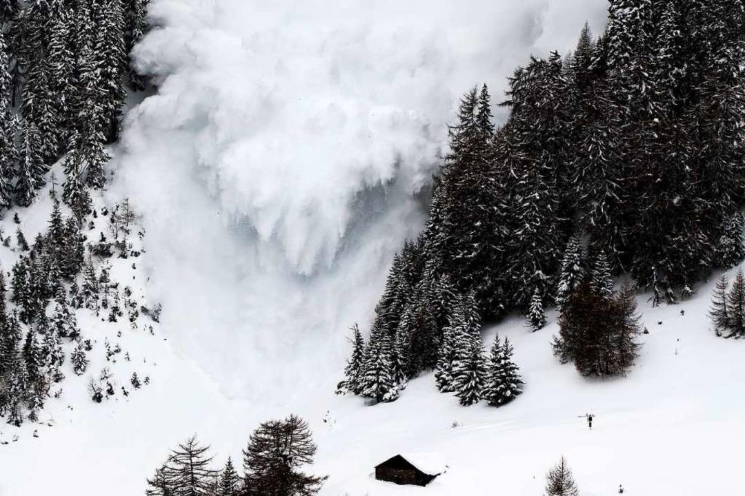 Zu  Forschungszwecken lösten Wissensch...ne in Anzere im Wallis (Schweiz) aus.   | Foto: DPA