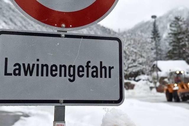 Schüler aus Deutschland werden von Lawine erfasst und überleben