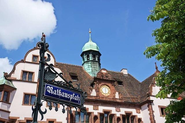 Muss sich Freiburgs OB in die Karten schauen lassen?