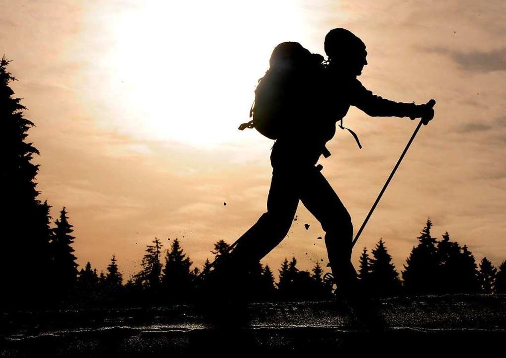 Erlebnis Langlauf: Neben dem sportlich...Winter 2010  auf der Loipe am Thurner.  | Foto: dpa