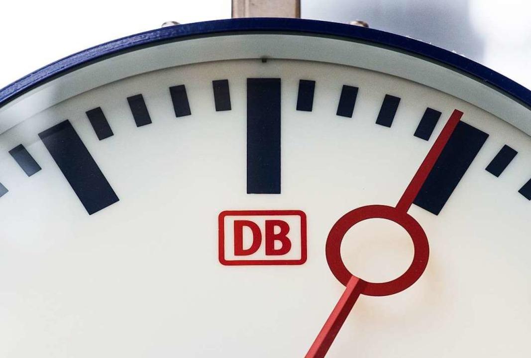 Ausgefallene Züge tauchen in der Verspätungsstatistik der Bahn nicht auf.  | Foto: dpa