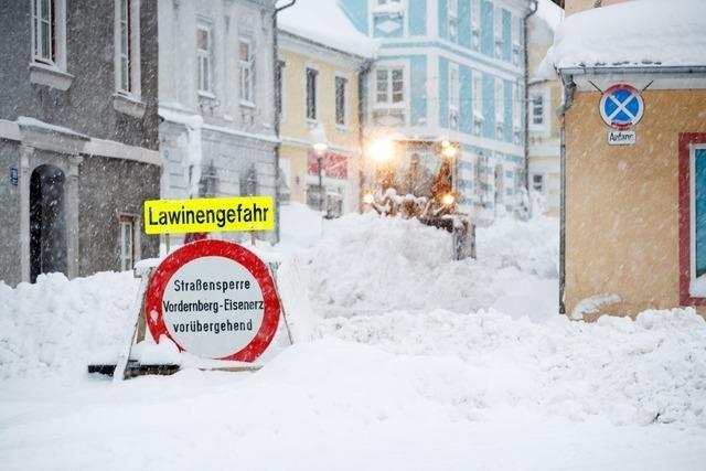 Bayerische Landkreise rufen Katastrophenfall aus – bis Samstag soll Schneefall nachlassen