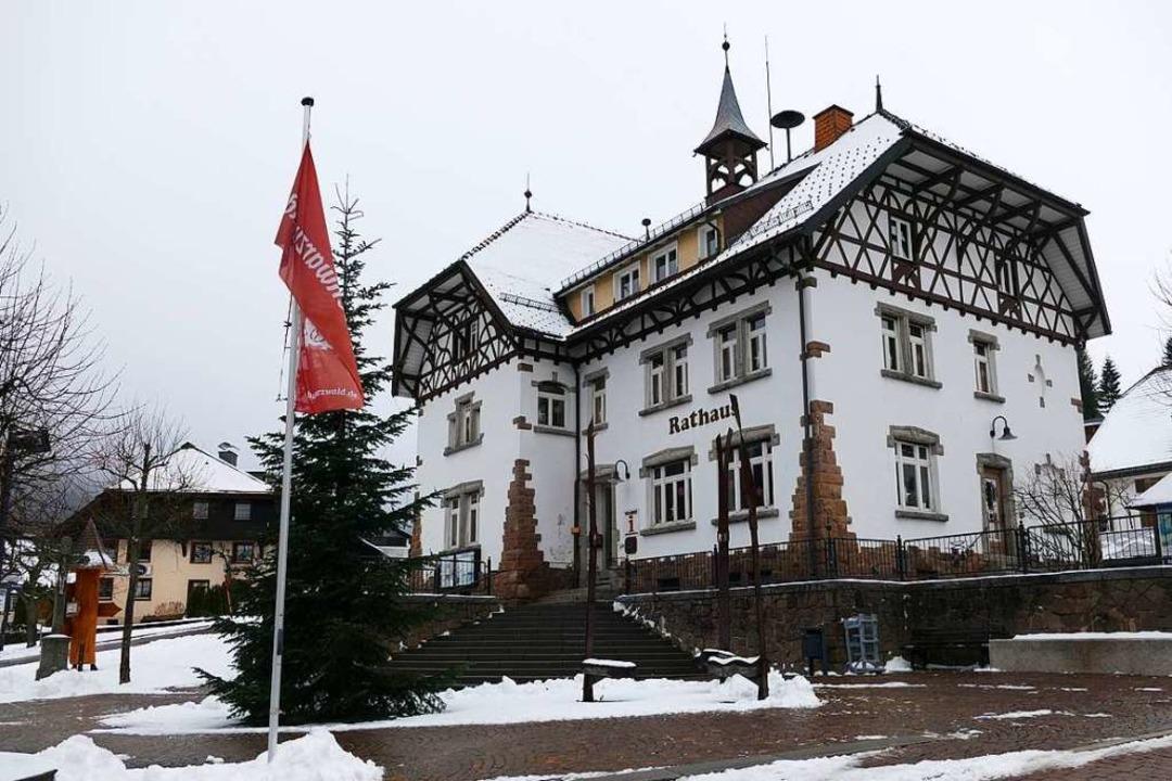 Das Feldberger Rathaus im Ortsteil Altglashütten.  | Foto: Ralf Morys