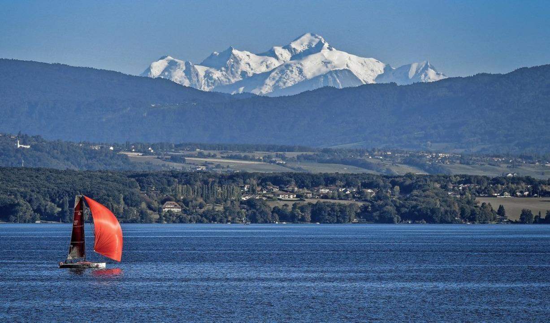 Mit Blick auf den Mont Blanc: Der Genf... Akteure der Hochsee-Schifffahrt  an.   | Foto: AFP