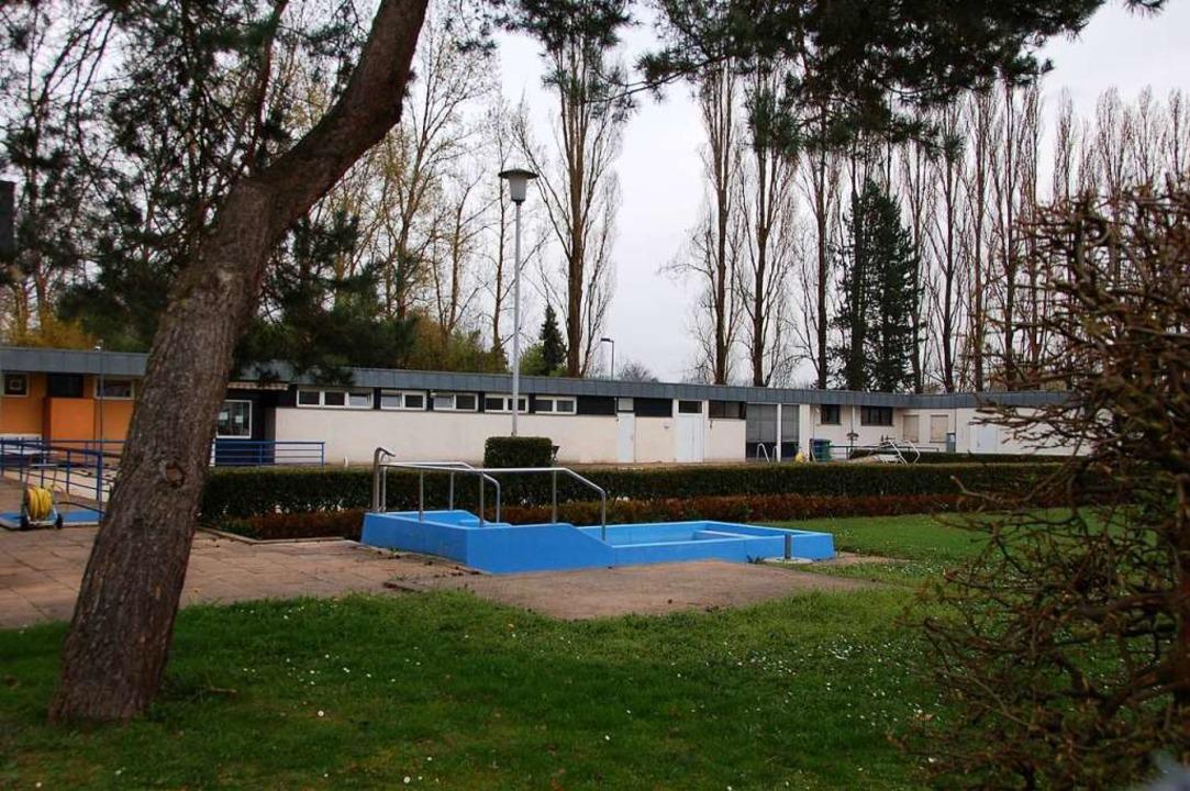 Das Gelände des Burda Sport Clubs in O...ch sollen 240 Wohneinheiten entstehen.  | Foto: hrö