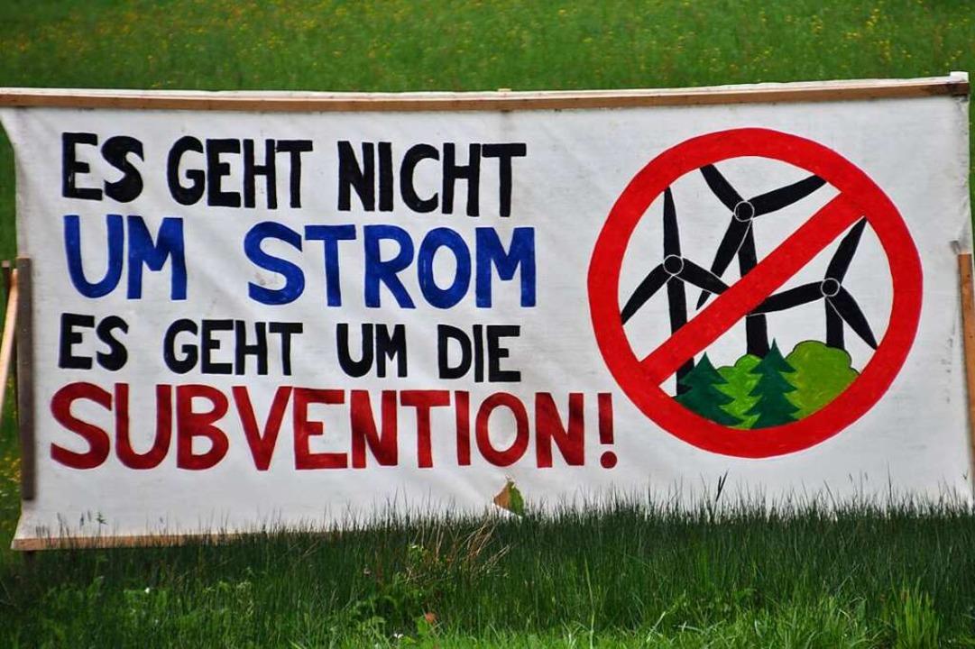 Nicht nur mit Protestplakaten machen d...er Kommunalwahl wollen sie mitmischen.    Foto: Nicolai Kapitz
